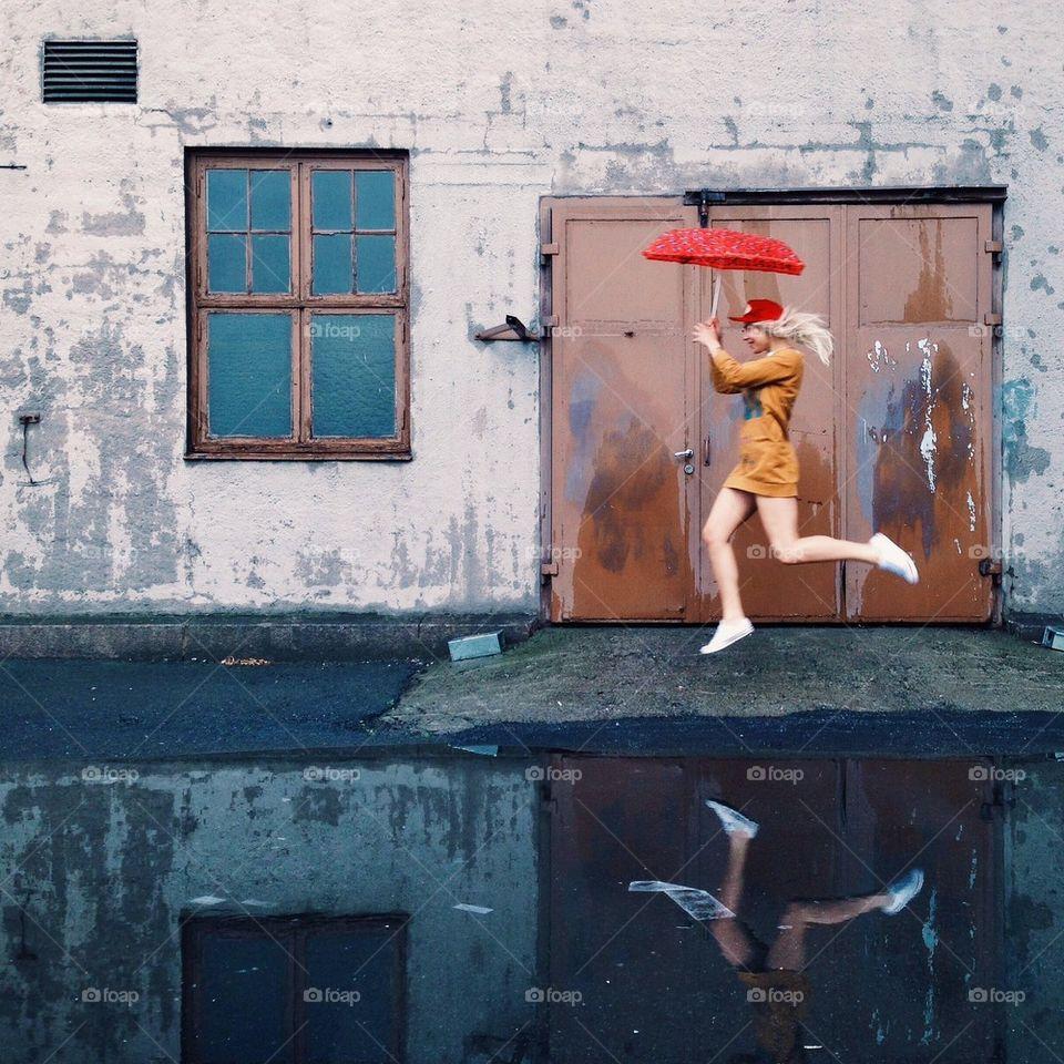 Flying lady | viktorholm, movement, puddle, oslo