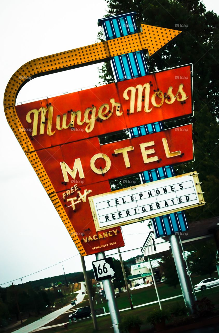 Munger Moss vintage roadside motel on Route 66 just outside Lebanon Missouri. Experience a bygone era at this family owned roadside gem.