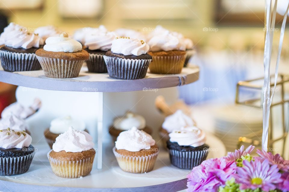 Cool cupcake on cakestand