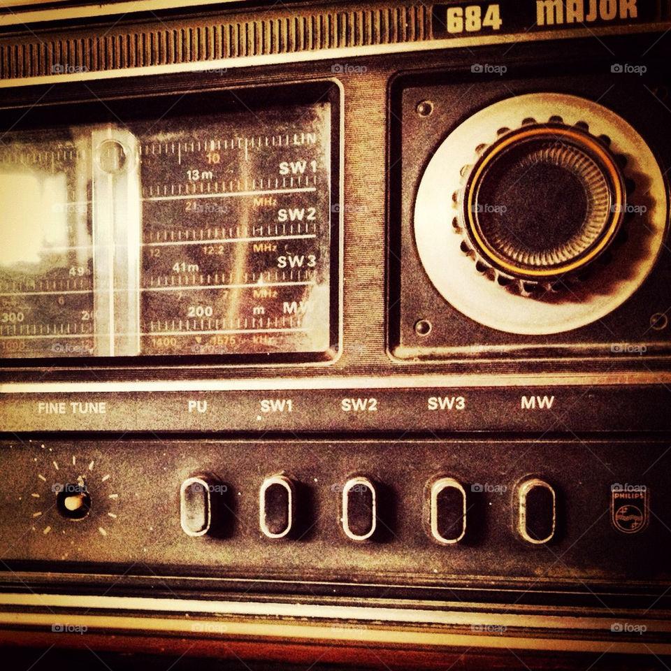 italy vintage radio old by saloneepareek