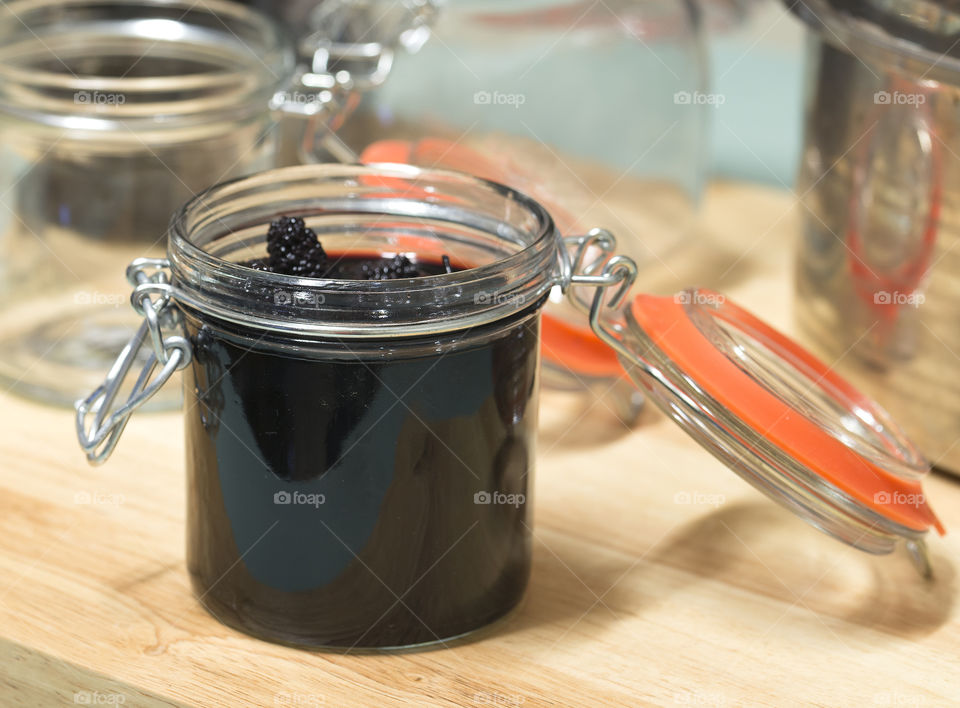 Preserved mulberry liqueur