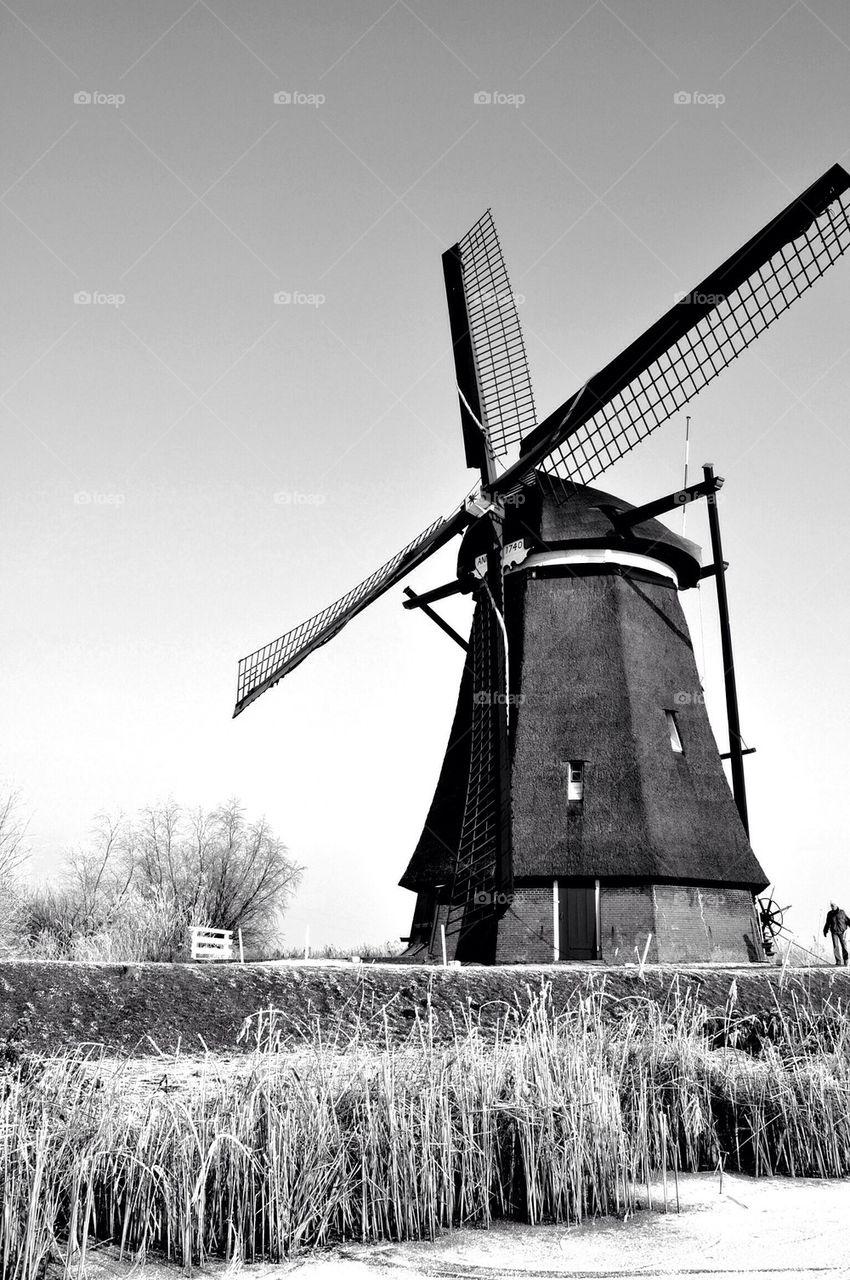 Kinderdijk mill, black and white