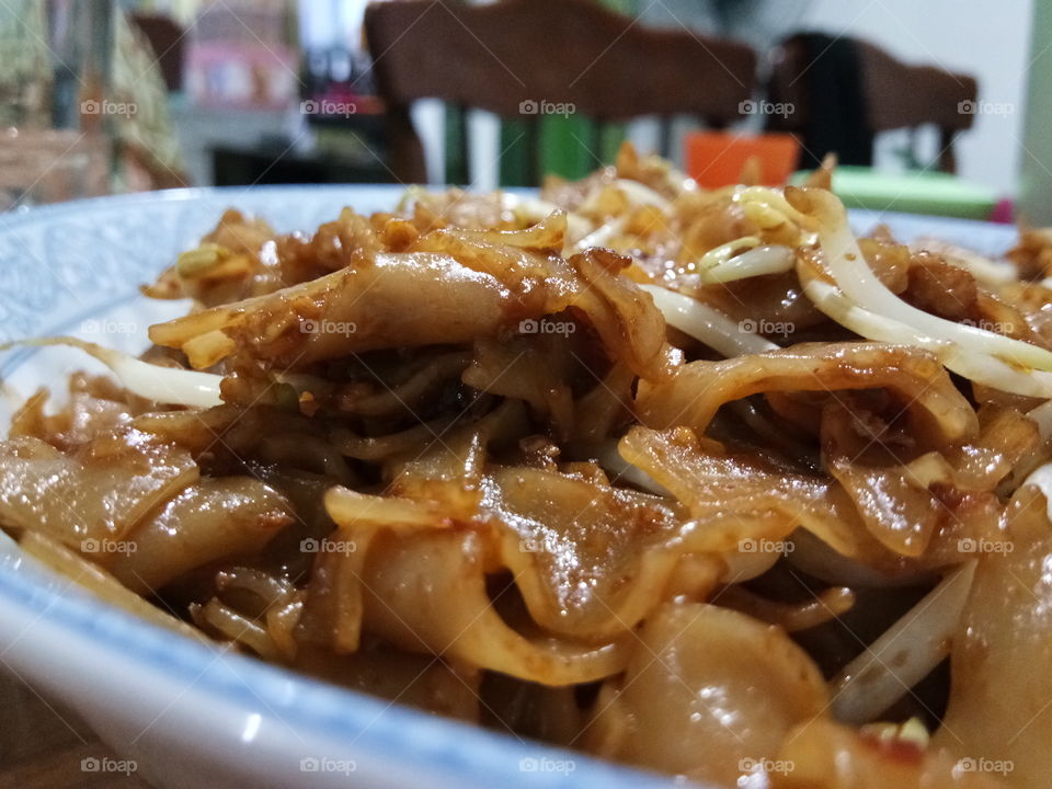 Deliciously cooked kueh tiaw..