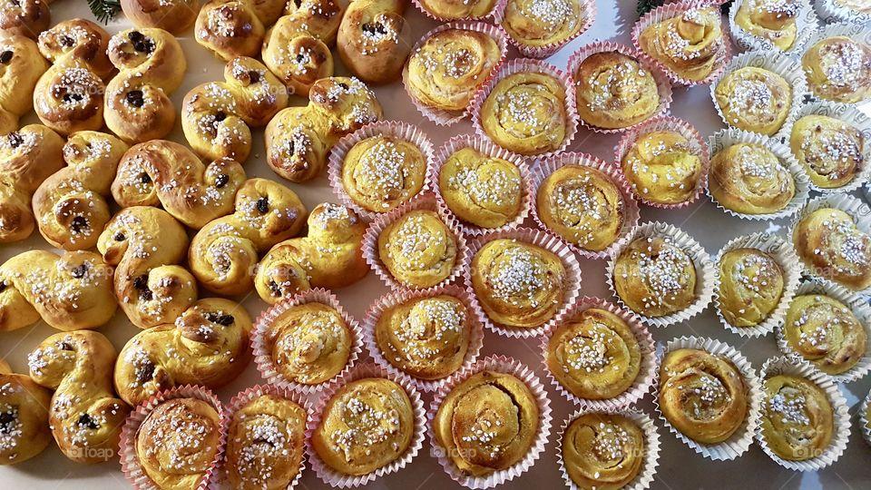 Homemade freshly baked saffron buns and rolls  - hembakade saffran lussekatter och lussebullar