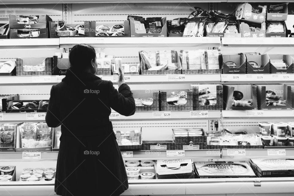 Shopping at grocery store
