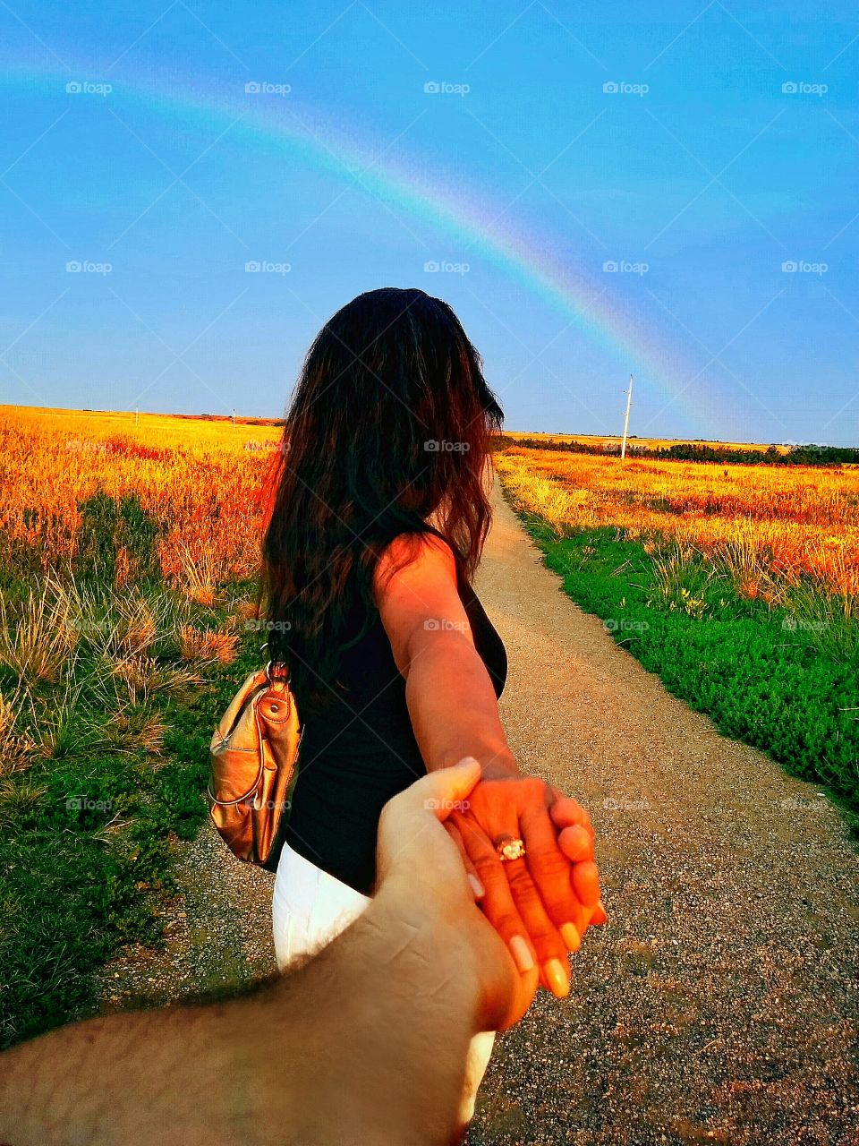 Follow me into the rainbow. After the rain comes the rainbow ...