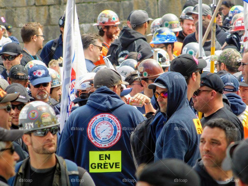 Travailleurs de construction en grève