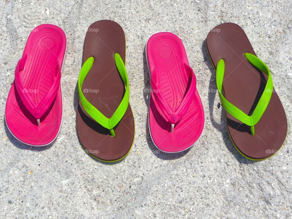 Flip-flops on the beach. The best memories are made in flip-flops - that's so true. We have been to the fantastic beaches of the Siesta Keys.