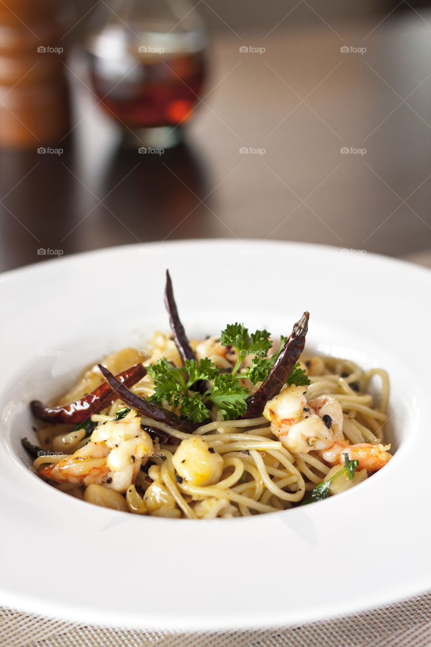 Spagetti in seafood with chilli and garlic