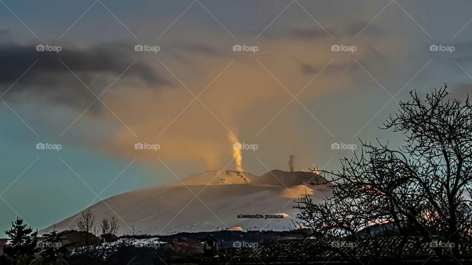 etna ed emissioni di cenere