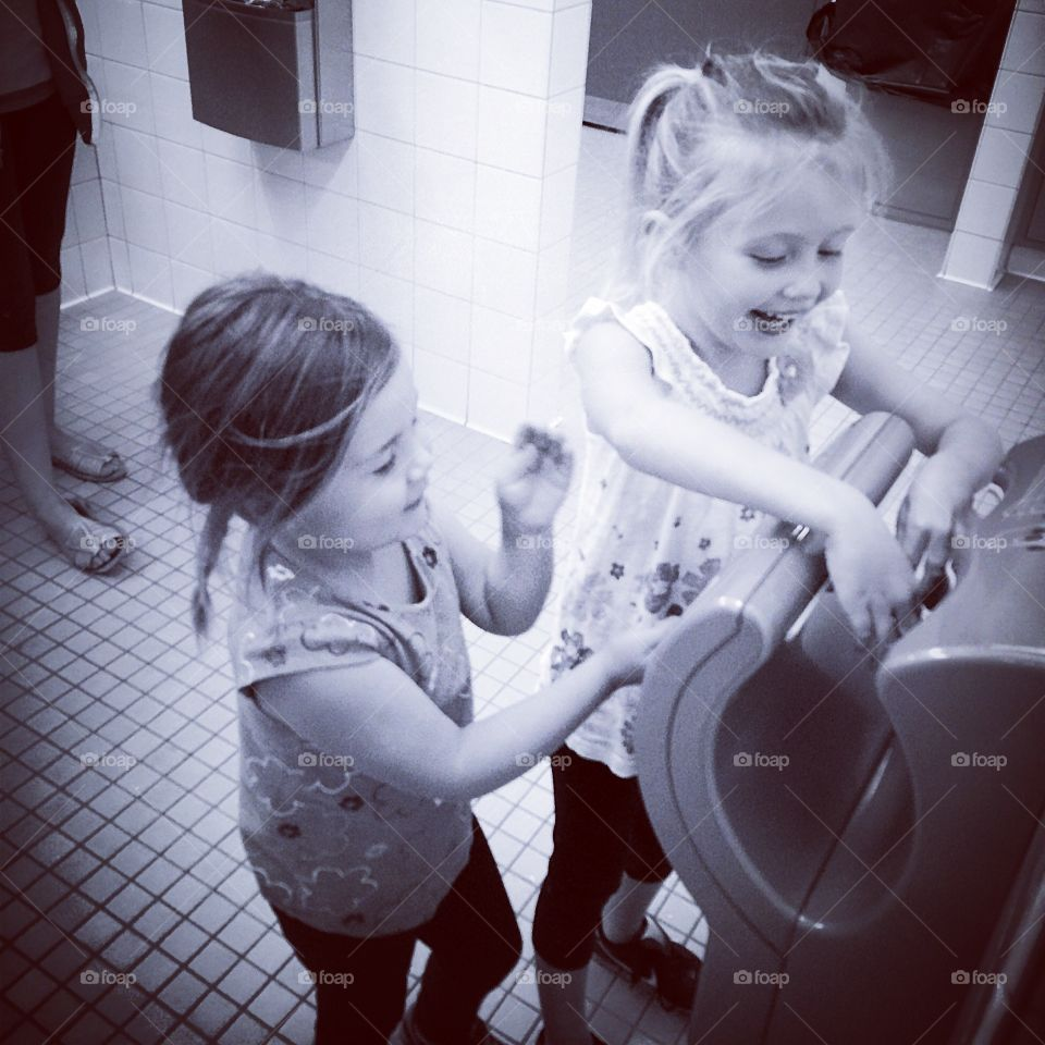 Simple fun . So much fun from a hand dryer