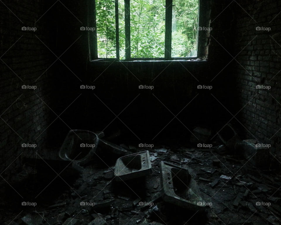 Room of broken dreams