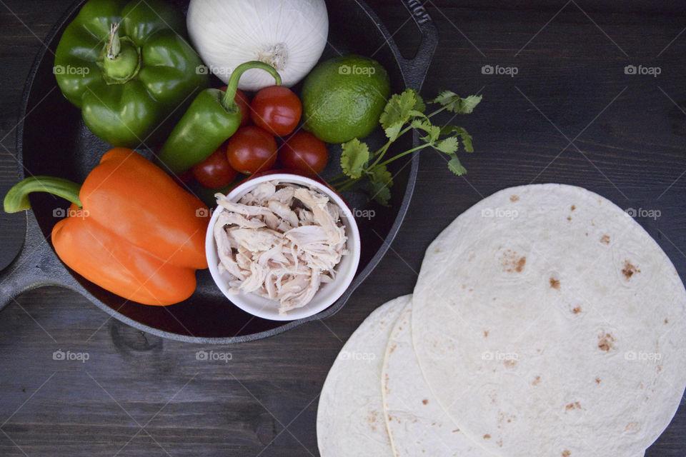 Fresh ingredients to make fajitas