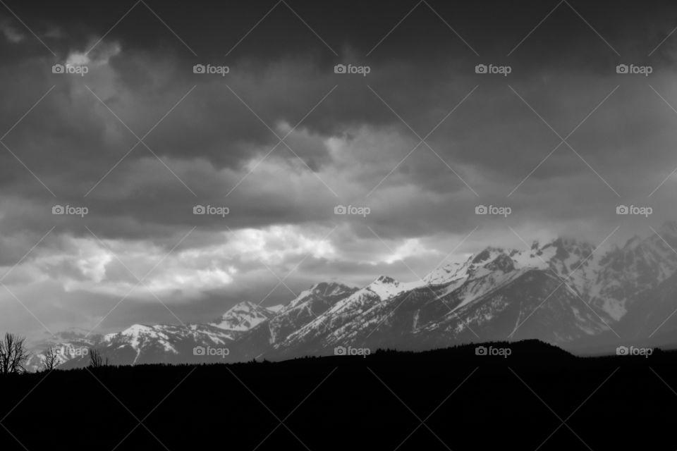beautiful black and white mountains