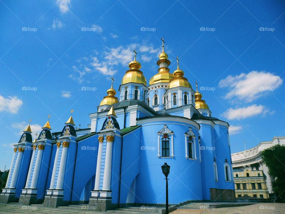 Mikhailovsky Zlatoverhii Monastery in the city of Kiev