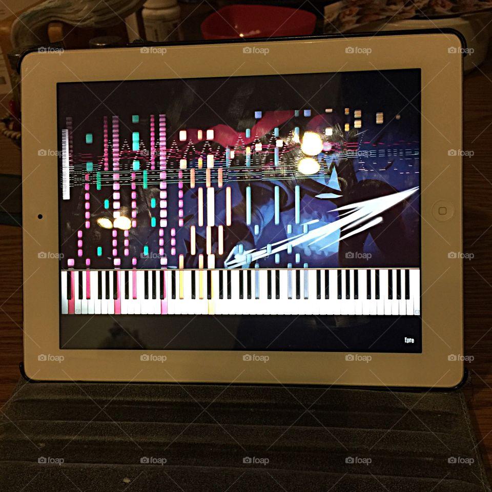 Piano keys on ipad