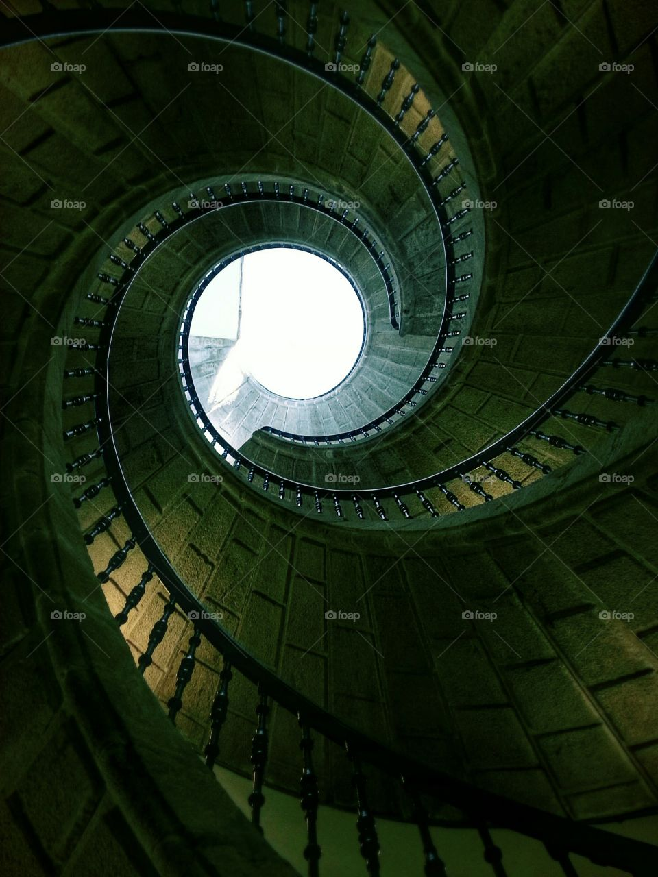 Triple Helicoidal Staircase