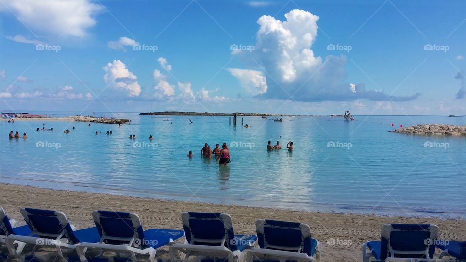 Almost looks like a 360 photo.. .Coco cay Royal Caribbeans Private island